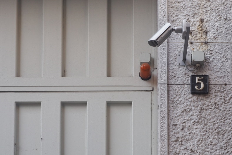 Why you should opt for monitored security for complete home security